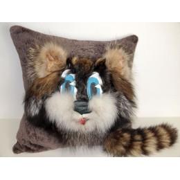 подушка диванная Енот